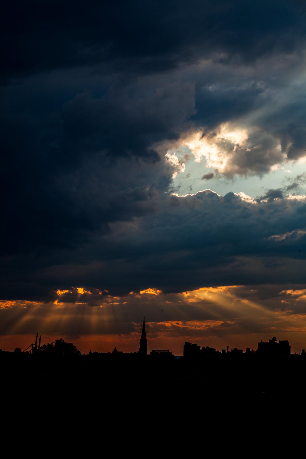 Sunset over Brooklyn by wwward0
