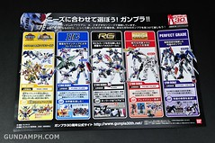ANA RX-78-2 Gundam HG 144 G30th Limited Kit  OOTB Unboxing Review (25)