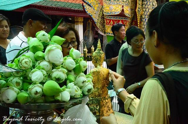 devotion, temple of emerald buddha, grand palace bangkok