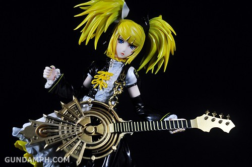 Max Factory Kagamine Rin (Nuclear Fusion Ver.) Unboxing & Review (21)