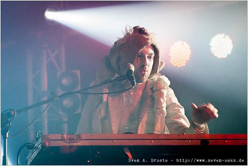 Uri Gaga (Uri Gincel) / Bonaparte