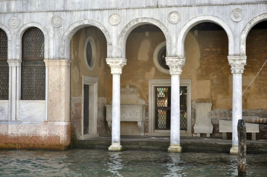 Venecia: Los meses de Octubre, Noviembre y Diciembre son famosos por las inundaciones que se producen en la ciudad. venecia - 7961961244 7b402ce3db b - Venecia, cosas que NO debes hacer en tu visita
