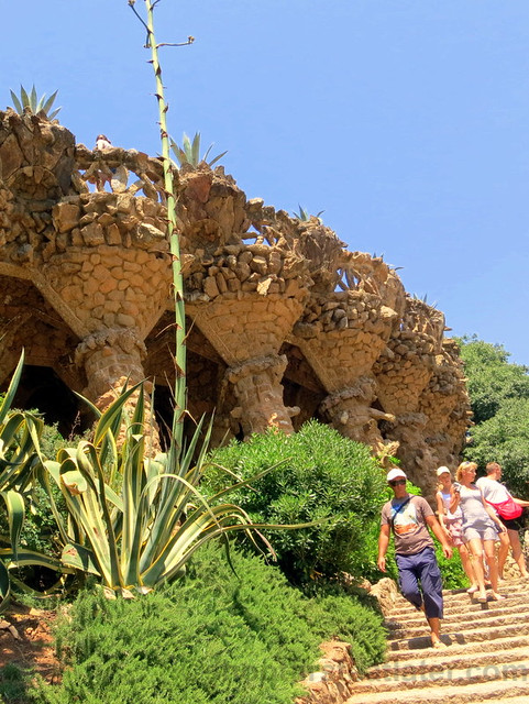 Park Güell- planter's viaduct