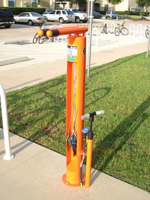 UTD - Bike Repair Station