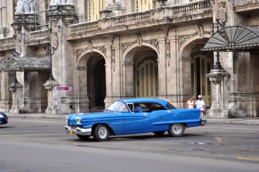 Gran Teatro de La Habana, neoclásico edificio que armoniza con el entorno y nos ayuda a trasladarnos a la década de los 50. La Habana vieja y un paseo por sus plazas La Habana vieja y un paseo por sus plazas 7817143190 f35de4482f o