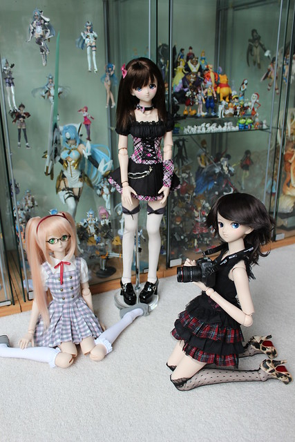 Gabi, Rin & Moe hanging out