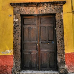 Serie Puertas. #9/10 #Puertas #Puerta #Artesania #Carpinteria #CarpinteriaArtesanal #Tipica #Madera #ArtDeco #Arte #SanMigueldeAllende #Mexico #MisVacaciones #Pueblosmágicos