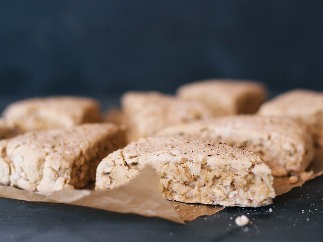 Maple oat scones