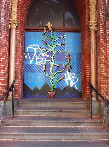 Bushwick Graffiti :: Crazy Plant