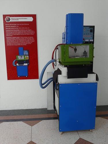 Máquina electroerosionadora automatizada