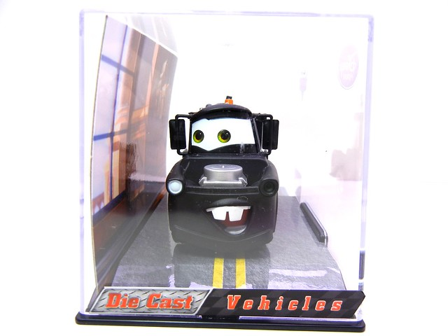 disney store cars 2 stealth mater chase (3)
