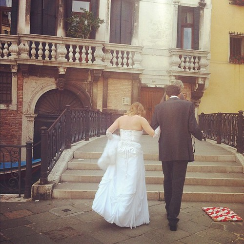 DIY wedding snaps in Venice. Love it.