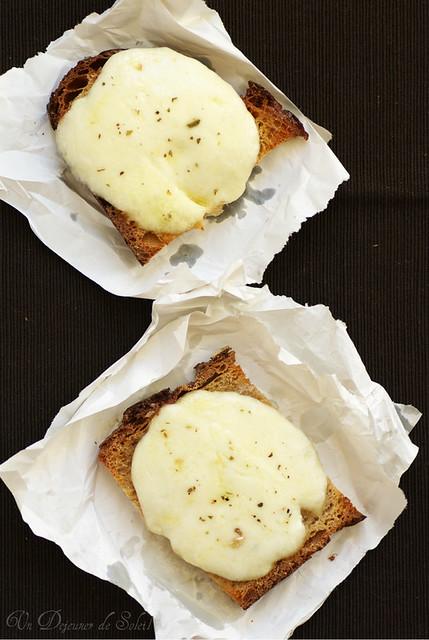 Crostini à la mozzarella et anchois