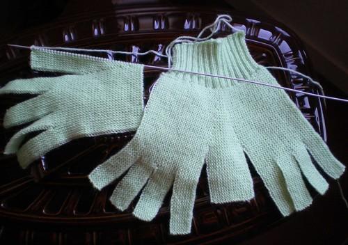 Tricot facile et rapide - Gants de laine pour adultes au point mousse (2/2)