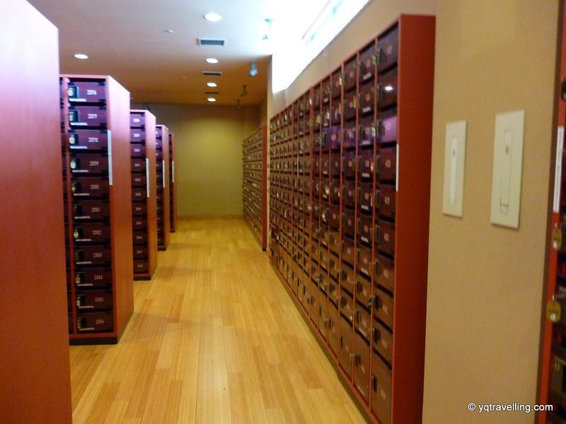 Shoe lockers