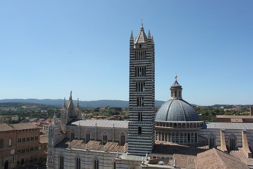 20120808_5021_Siena-rooftop-view