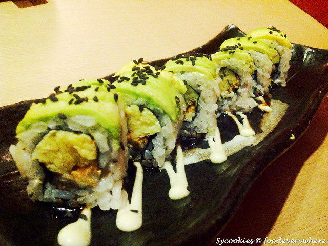 7.caterpillar roll RM 13.80 roasted eel and omelette sushi roll topped with avocado@ sushi zanmai