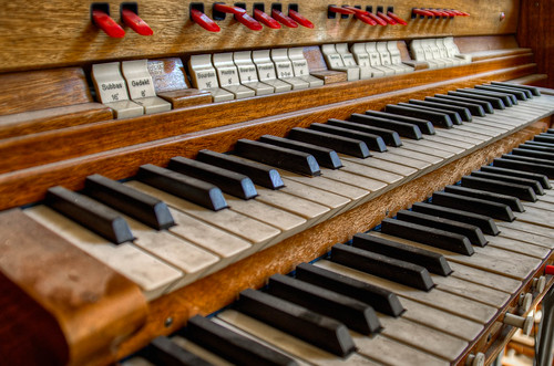 verlaten kerk - Keys of the organ