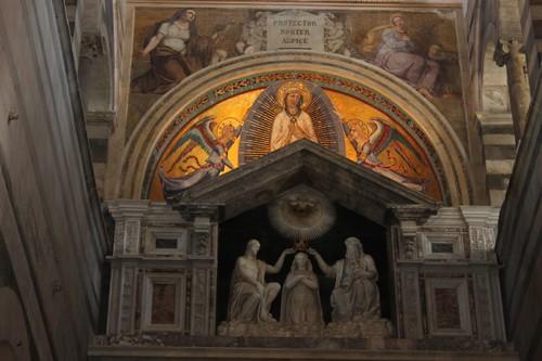 20120807_4956_Pisa-duomo-interior