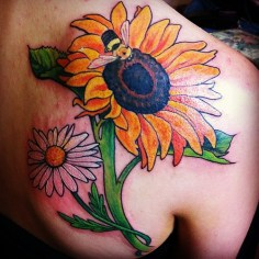 Art imitates Life #tattoo #sunflowers #sunflowertattooo #portlandmetattoo #sanctuarytattoo #mainetattooers #ladytattooer