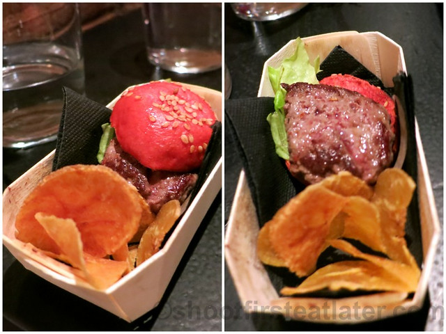 A Fuego Negro Bar- Makcobe (mini Wagyu burger)