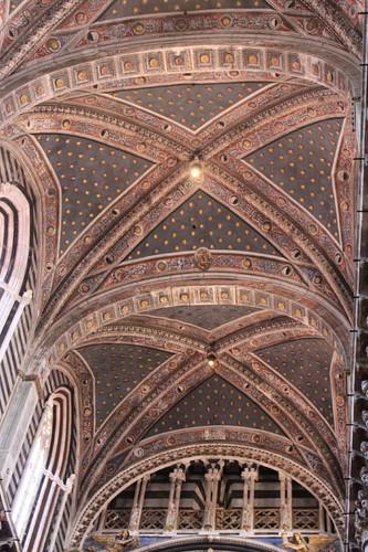 20120808_4988_Siena-duomo-interior