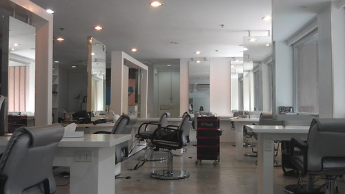 Straight and Smooth salon in Makati