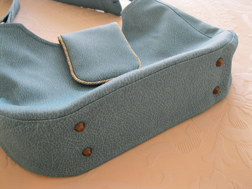 Mod Bag - base with bag feet