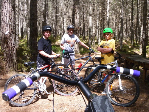 More mountainbiking, with the kids this time.