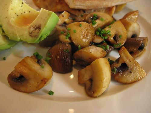 lemon button mushrooms & avocado