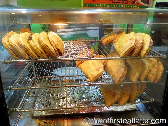 De Original Jamaican Pattie Shop-005