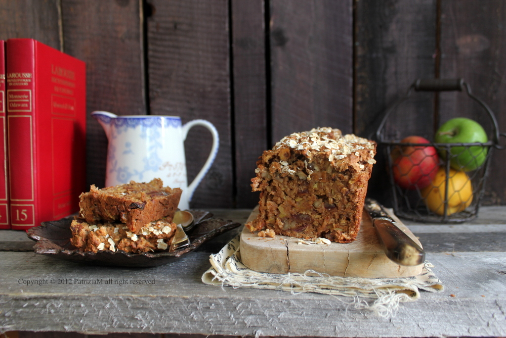 Apple bread with dates and walnuts