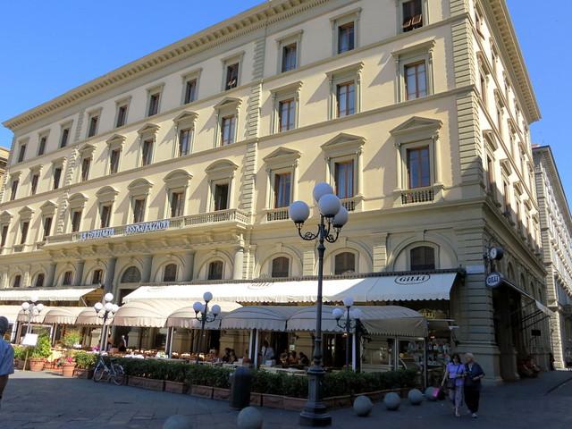 Gilli, Florence