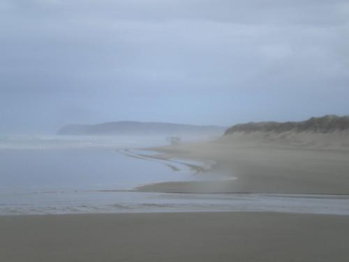 Ninety Mile Beach (in the rain)
