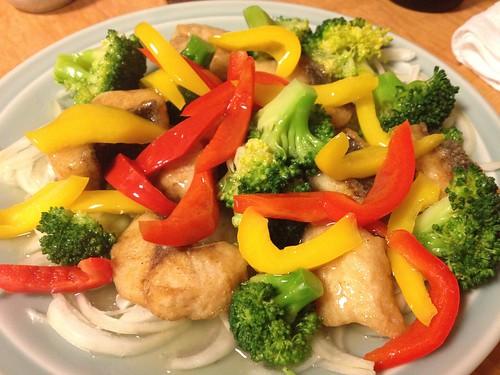 素揚げしたお魚とお野菜にお出汁をかけたお料理@銀魚 (ぎんぎょ)