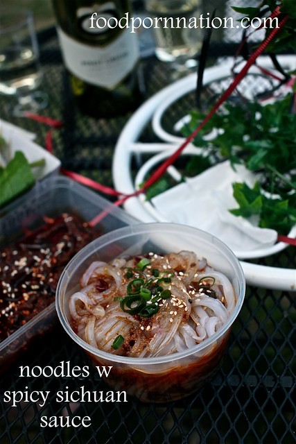noodles w spicy sichuan sauce
