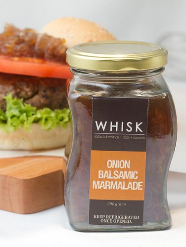 Whisk onion marmalade