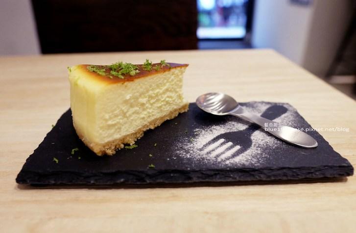 29013563531 7168fba5eb c - J.W. Cafe-放棄百萬年薪工程師的漂亮拉花拿鐵.甜點推薦乳酪蛋糕和貝果.近清真恩德元餃子館
