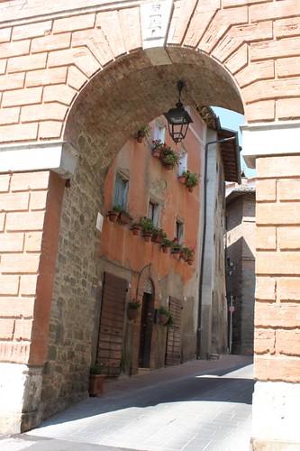 20120814_5561_Deruta-St-Michaels-gate
