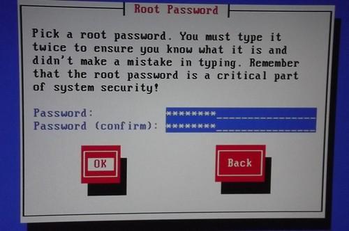 Memilih password root trixbox