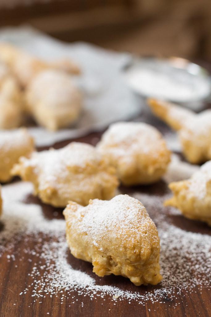 yeast zeppole with powdered sugar