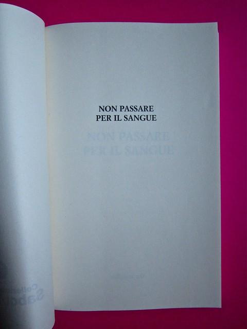 Eduardo Savarese, Non passare per il sangue. edizioni e/o 2012. Grafica di Emanuele Gragnisco; illustrazione di Luca Laurenti. Pagina 3 (part.), 1
