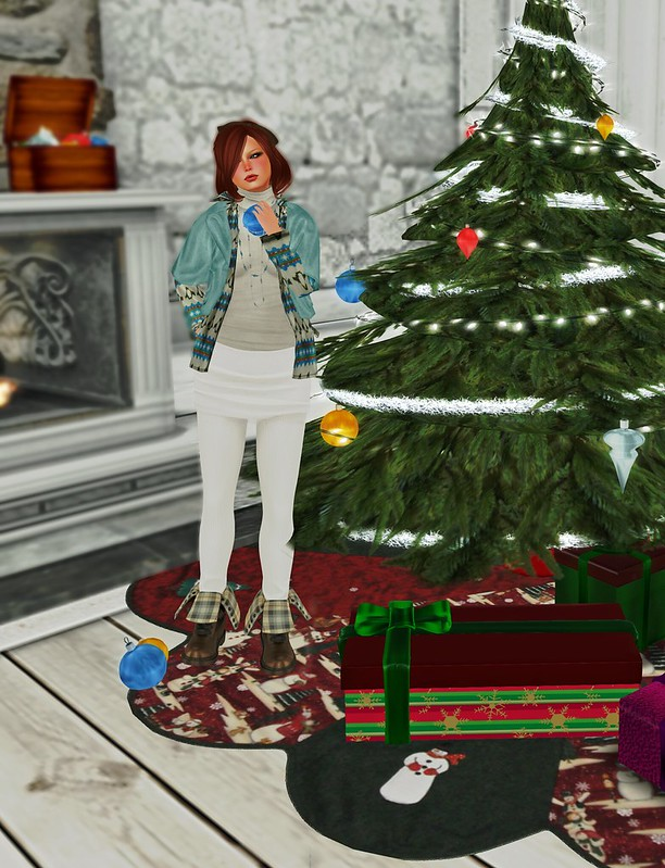 Christmas-Decorating_001