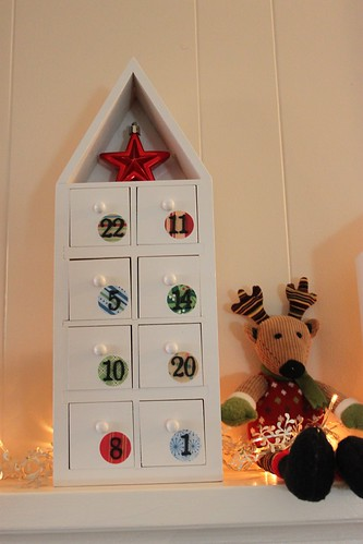 Advent house detail