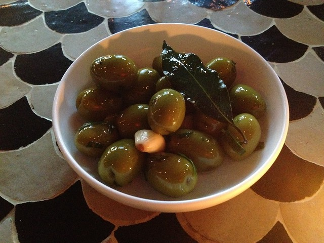 Marinated mantequilla olives - Tinto