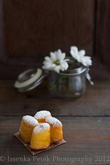 Tangerine mini cakes