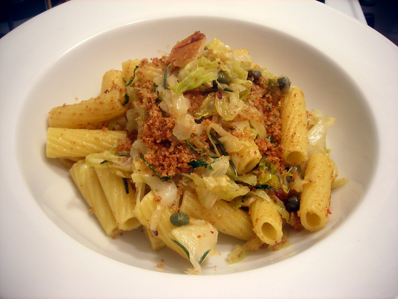 Rigatoni with cabbage, anchovy and capers