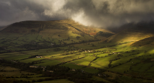 The weather rolls in over Kinder