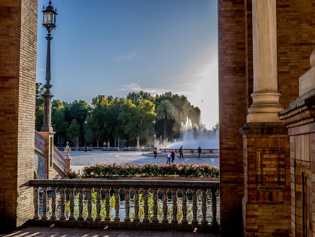 Looking out, Plaza de España. Copyright 2012 Chiew Pang
