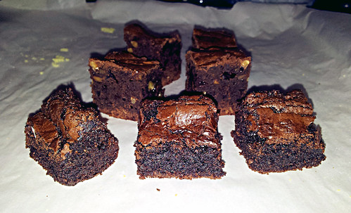 Gluten-full and gluten-free brownies